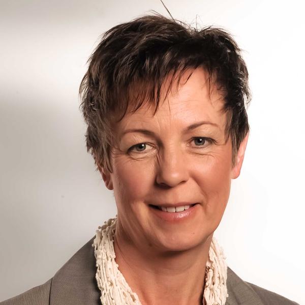 Industriekauffrau Bernadette Baumeister